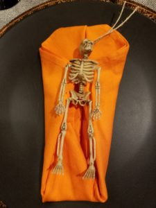 napkin-halloween-skeleton